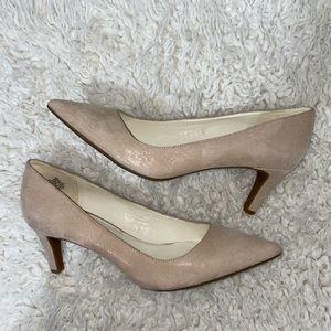 Anne Klein Iflex barb beige pointed toe heels